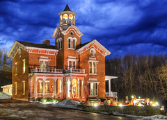 Bernadine's Stillman Inn at Night - Galena, Illinois (Mister Joe) Tags: night illinois grant historic glowing mansion dynamicrange bb hdr galena bernadinesstillmaninn