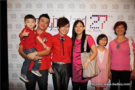 Wong Chee Hou, Xavier Mah, Joanne Mah, Joan Gao & Chan Beng Moon (Family Members)