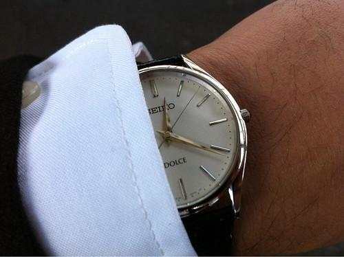 セイコー ドルチェSACM167 シンプルな黒革ベルト&白文字盤の時計