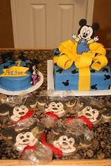 "Mickey mouse birthday cake and cookies • <a style=""font-size:0.8em;"" href=""http://www.flickr.com/photos/60584691@N02/5524762429/"" target=""_blank"">View on Flickr</a>"