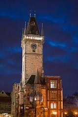 Pared Este Torre-reloj-astronomico (PUAROT) Tags: viaje blue castle azul night photography noche nikon torre d70s praga colores cielo nocturna fotografia castillo puarot