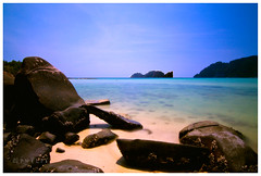 Ton Sai Long Exposure (Lee Phelps Photography) Tags: travel water canon landscape thailand island bay long exposure phi thai don leh sai ton 500d t1i