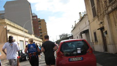 IMG_4661 (Rino Fazzini) Tags: roma smart station race eva salt run number di asics runners 17 runner gatorade sponsor piaggio reportage corsa avis rino colosseo refreshment coni maratona maratn volontari sali acea 20032011 urbani marathoners corridori fun 42195 roma rifornimento fidal athleten fazzini pettorale athltes roma vigili 2011 rino maratona fazzini protezione civile 2011 03202011