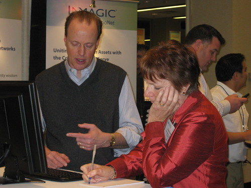 Information Today's Paula Hane briefs with Inmagic's Phil Green