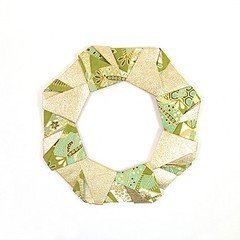 Ring 7 (rebecccaravelry) Tags: origami ring wreath modular fuse tomokofuse