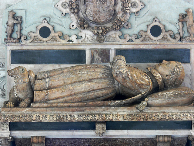 Tomb Robert Dudley, Lord Denbigh Tudor monument of a Child