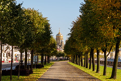 A beautiful view at the Uspenskaya church (Suicidal_zombie) Tags: russia russie saintpetersburg stpetersburg saint petersburg alley embankment leutenantschmidt trees urban beautiful view church uspenskaya morning sunny sun shadows leaves autumn fall green sky scape city cityscape landscape