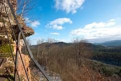Lutzelhardt - vue sur les Vosges du nord (Hergott Loc) Tags: landscape couleurs hiver ruine paysage paysages chateaufort grandangle obersteinbach vosgesdunord parcnatureldesvosgesdunord