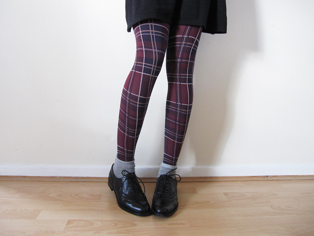 tartan tights black brogues