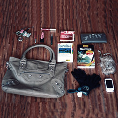 What is in her bag ? January 2011 (donchris!) Tags: project bag puerto is sac her rico purse what 12 bolsa borsa 2010 tasche 2011 torba