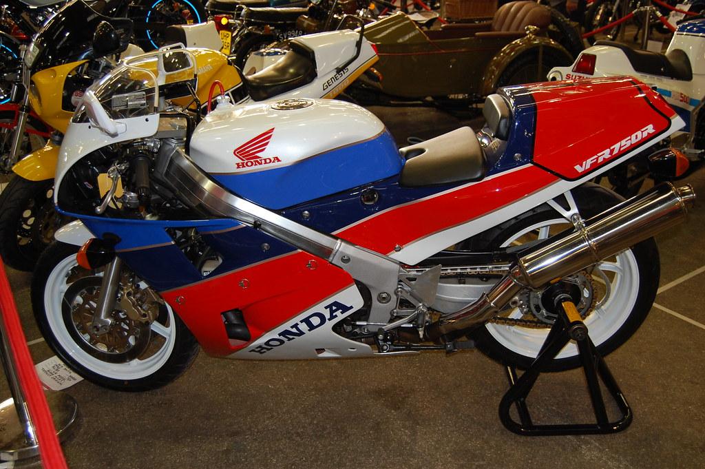 HONDA VFR 750R.1987-1990.(RACE REPLICA)