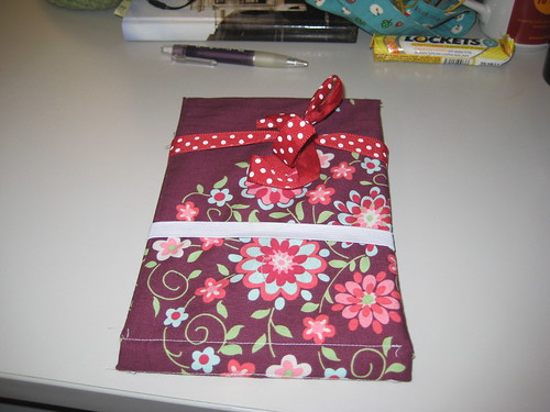 Kindle cover: tied up with a bow