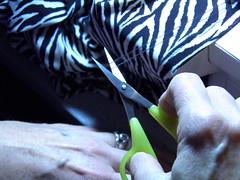 Cut needle threads