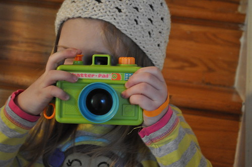 children's play :: new to her camera