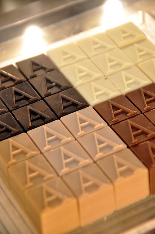 Armani Dolci Chocolate 3