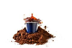 capsule & splash (dongga BS) Tags: drops kaffee capsule splash nespresso splish freezemotion canoneos50d nespressokapsel nespressokapseln nespressocapsule ef100mmf28lmacroisusm kafeepulver