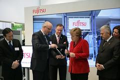 020_CeBIT_Fujitsu_Blog_Merkel_-20110301-100848-2 (Fujitsu_DE) Tags: cebit halle2 erstertag cebit2011 cebit11