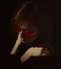 red swan (hanna.bi) Tags: red portrait woman eyelashes darkness feathers false hannabi