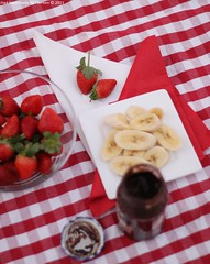 Picnic | Part 2 (S E R E E N) Tags: canon picnic strawberries banana soso 500d sereen     500
