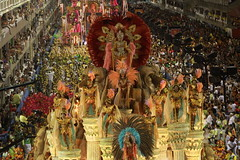 Carnaval 2011 – Escola Imperatriz Leopoldinense - Foto: Luiz Perez | Riotur (Riotur.Rio) Tags: brazil rio brasil riodejaneiro verão turismo turistas sapucai 2011 pedrokirilos kirilos riotur grupoespecial pktures luizperez escolaimperatrizleopodinense