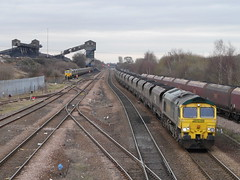Photo of 66552 66528 Hatfield and Stainforth, 25th Feb 2011