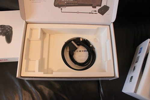 boitier player, cable HDMI et Peritel