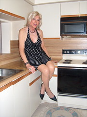 A Laura in Kitchen 031111 (lwhitets) Tags: road lincoln friday on 03112011