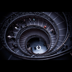 Up and down (FreakyLeo) Tags: city people italy vatican rome spiral staircase exit visitors museeum canon5dmarkii canonef28300lisusm