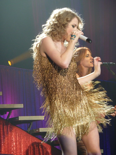 Taylor Swift 05 - Live in Paris - 2011