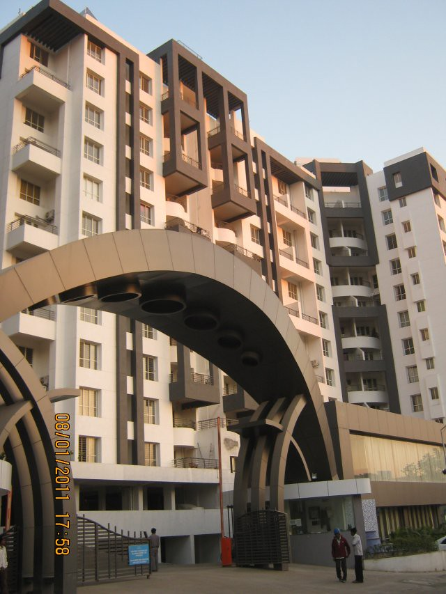 Main entrance gate and K & J wings in Pethkar Projects' Balwantpuram - Samrajya in Shivtirthnagar, on Paud Road, in Kothrud, Pune 411 038