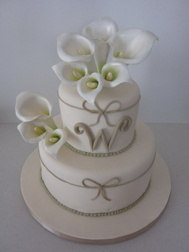 Calla Lily Wedding Cake originally uploaded by L3 Cake Creations