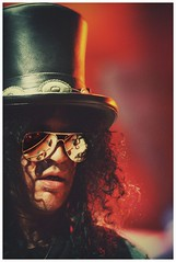 Slash (scottspy) Tags: slash people sunglasses rock musicians portraits rocknroll guitarists velvetrevolver gunsroses tophats scottspy saulhudson