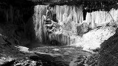 Minnehaha Falls 2 (LeicaNokota) Tags: park leica light bw snow ice nature water pool contrast dark landscape photography landscapes waterfall high rocks control dynamic minneapolis style historic prints flowing range mn steep zonesystem anseladams tonal minnehahafalls minnehahacreek minnehahapark widest hennepincounty imitated dlux4