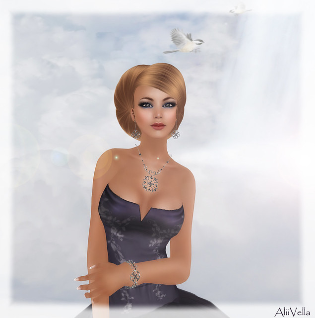 [The Candary] Adrianna Gown - Navy   FINESMITH JEWELS BLISS HAIR