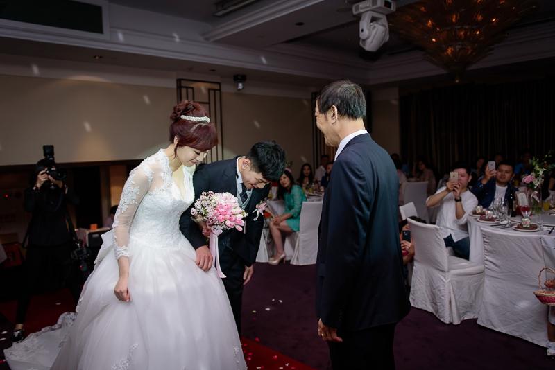 國賓婚攝,台北國賓,國賓飯店婚宴,新秘Miko ,婚攝小勇,台北婚攝, 愛瑞思新娘秘書造型團隊,西敏英國手工婚紗,小寶工作室-034
