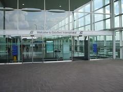 Entrance to Ebbsfleet International Station. (DesiroDan) Tags: highspeed1 ebbsfleetinternationalstation eurostar southeasternhighspeed southeastern railwaystationsintheuk