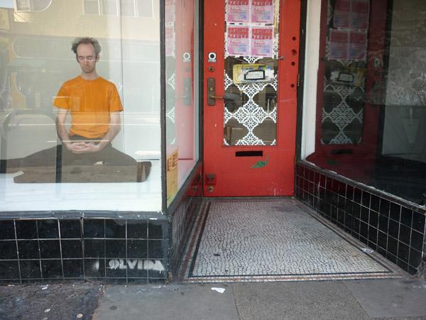 meditating-valencia05
