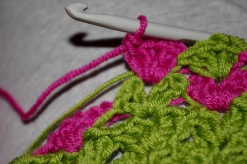 Baby sweater 2 - Flower garden stitches