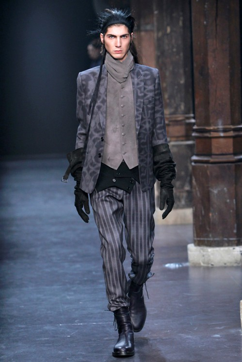 Ann Demeulemeester Mens Fall 2011 collection - paint splatters 7