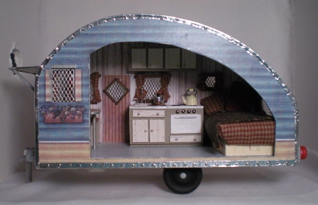Half-scale vintage travel trailer