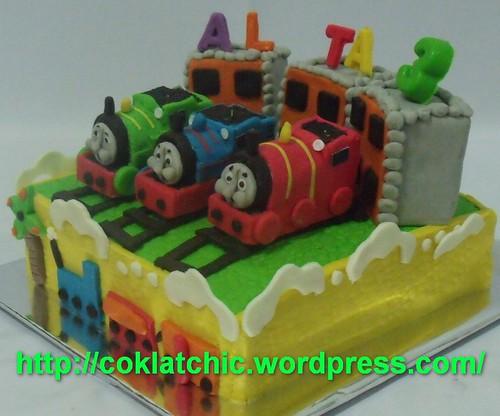 Kue dengan tema stasiun of Sodor Island dengan THomas the tank engine ...