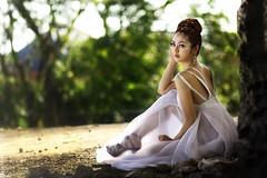 [フリー画像] 人物, 女性, アジア女性, ドレス, フィリピン人, 201103060100