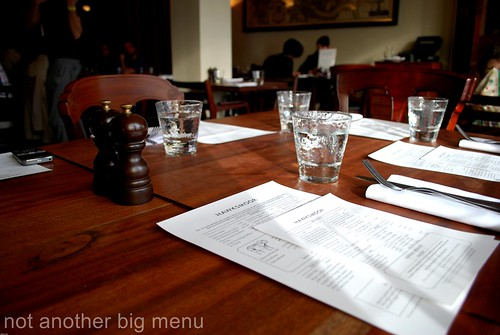 Hawksmoor, Spitalfields - Table setting
