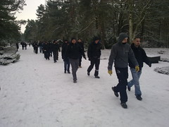 Nazis nehmen offen teil