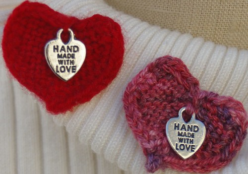 2 tiny hearts handmade with love