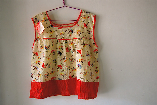 vintage smock apron (mushrooms)