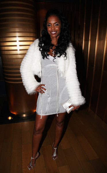 Kim Porter and Sean Combs Attend The Two Kings Dinner February 19, 2011 kimporterfan.org