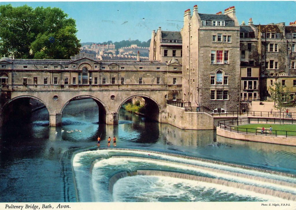Pulteney Bridge, Bath, Avon.