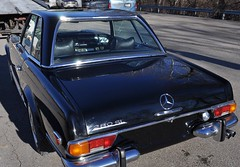 "1971 Mercedes 280 SL • <a style=""font-size:0.8em;"" href=""http://www.flickr.com/photos/85572005@N00/5474837098/"" target=""_blank"">View on Flickr</a>"