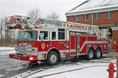 Indianapolis Fire Department. Ladder 9 (RJACBclan) Tags: indianapolis aerial firetruck pierce fireengine laddertruck ifd fireapparatus ladder9 indianapolisfiredepartment ifdladder9 indianapolisladder9 indianapolisfiredepartmentladder9